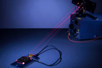 Alimlər smartfonları məsafədən enerji ilə dolduran lazer hazırlayıblar