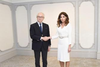 Azerbaijani First VP meets foreign policy adviser of Japanese PM
