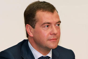 PM Medvedev expects growth of non-oil and gas budget revenues to persist