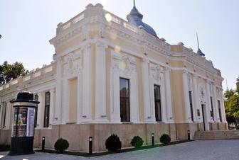 """Kukla Teatrı """"Xəzərin sahili""""ndə"""